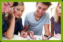 jaunieši angļu valodas nodarbībā